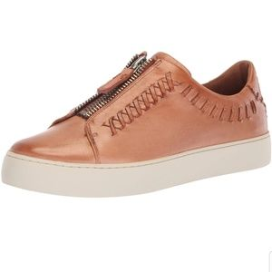 Frye Lena whip stitch low. Size 9.5. Worn once.